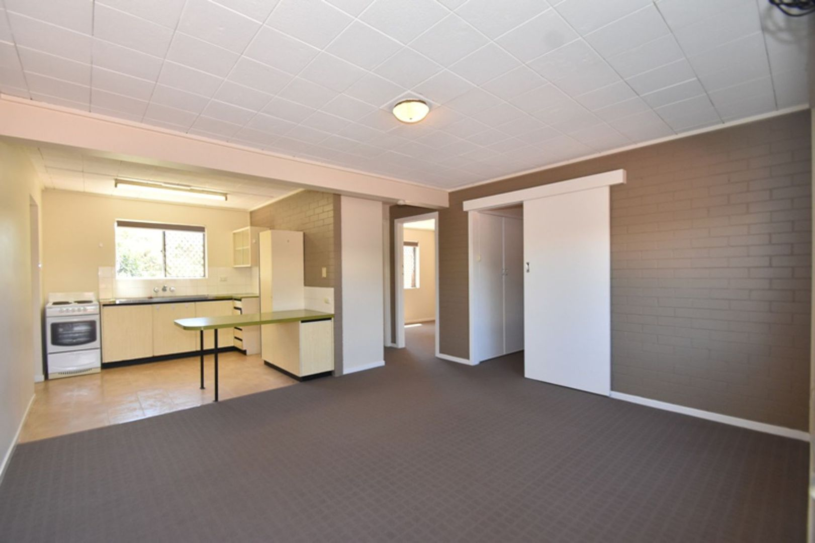 11/335 West Street, Harristown QLD 4350, Image 2