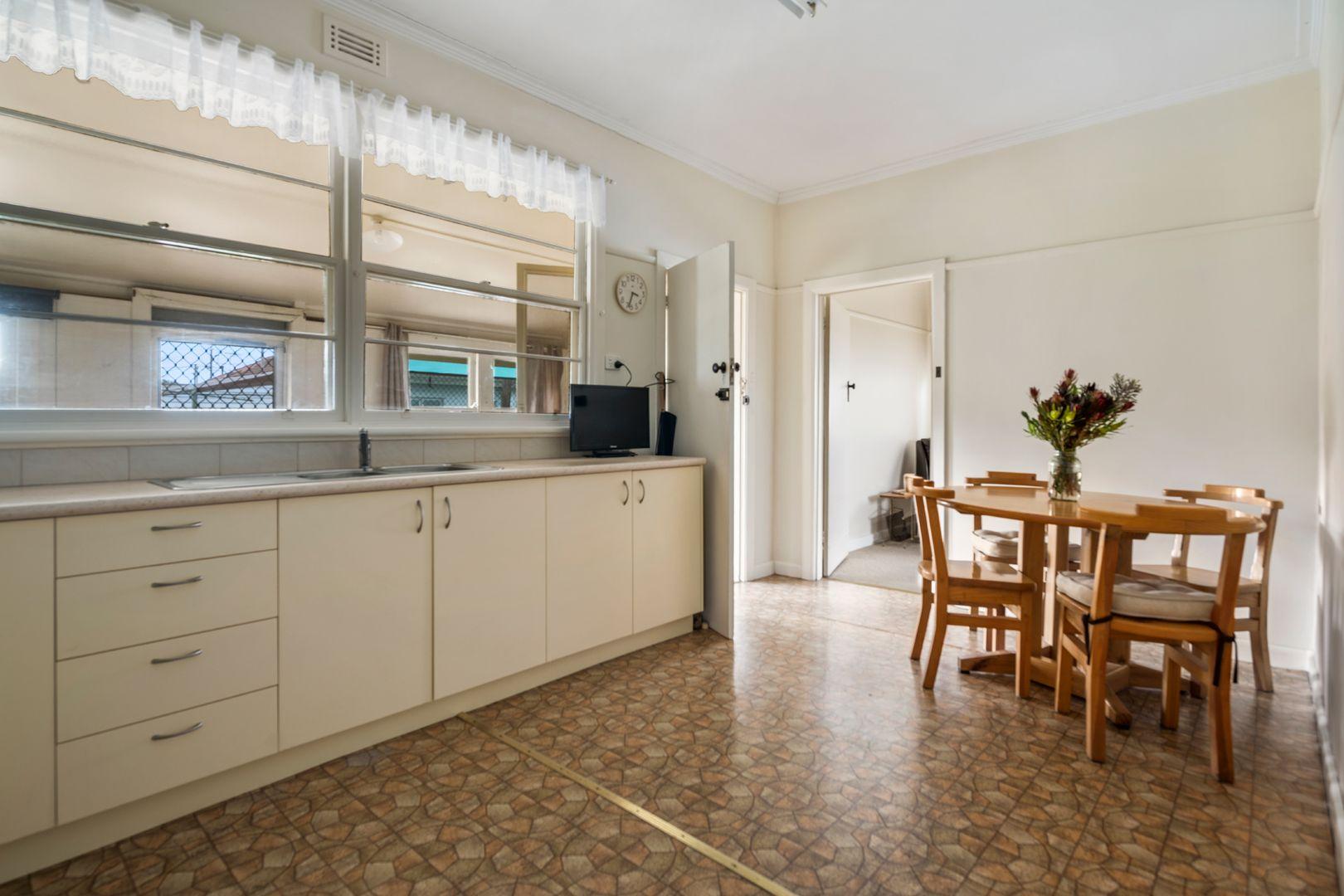 4 Burke And Wills Place, Wangaratta VIC 3677, Image 2