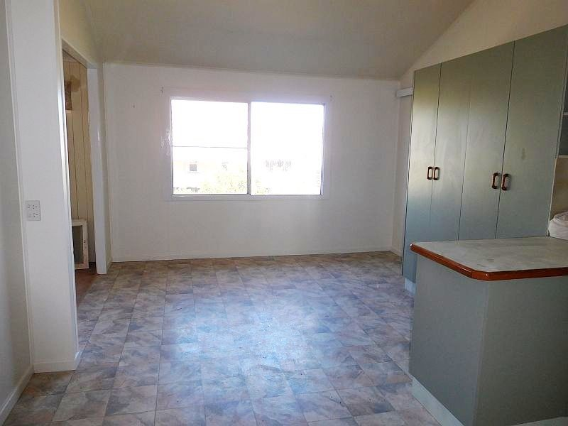 10 Delacy Street, Kaimkillenbun QLD 4406, Image 2