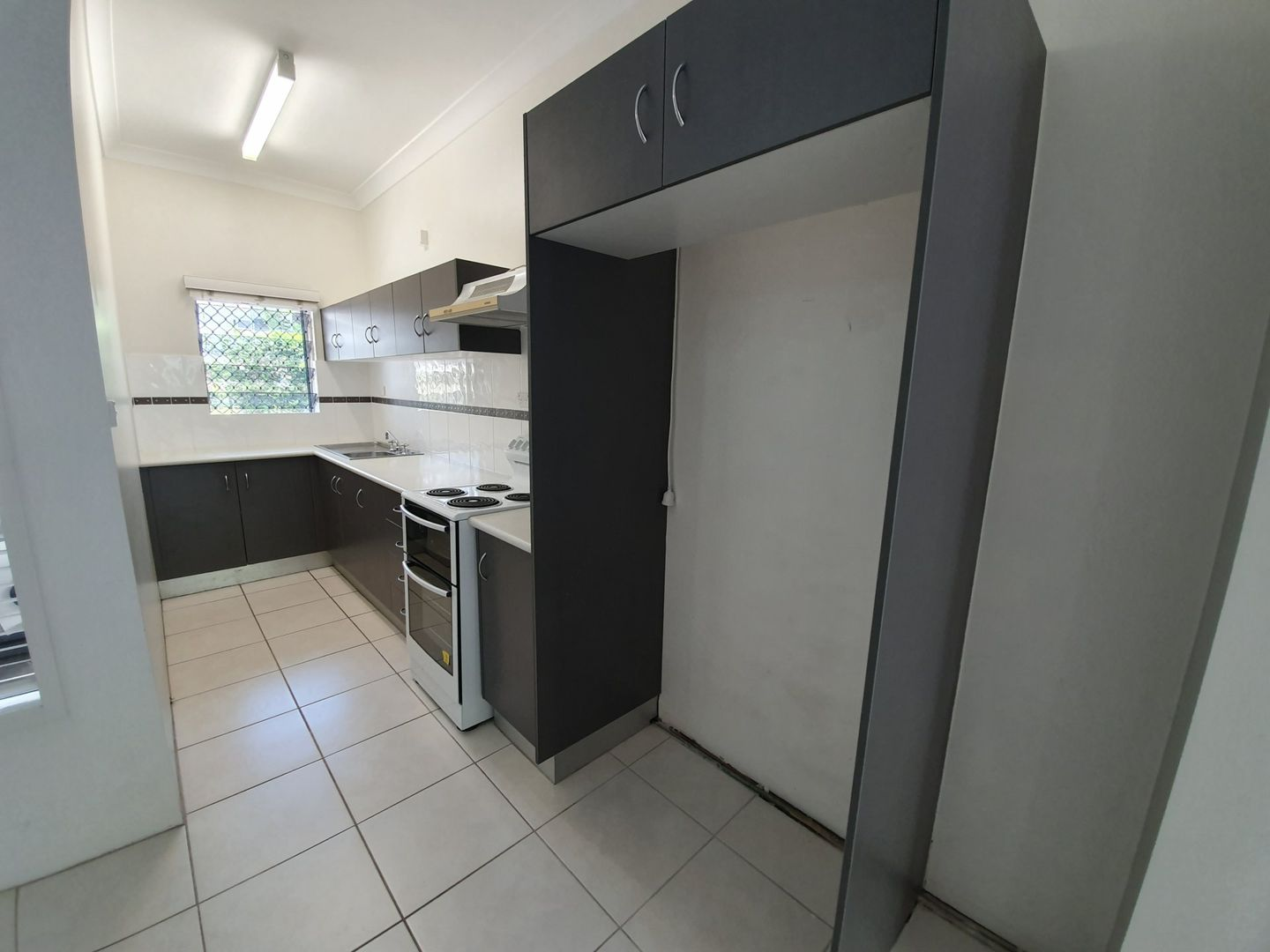 2/10 Crathern Close, Edge Hill QLD 4870, Image 2
