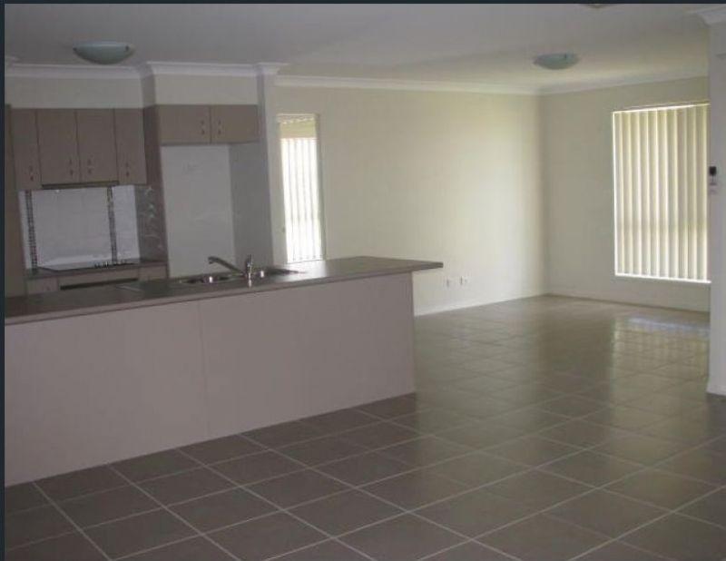37 Parkside Drive, Kingaroy QLD 4610, Image 2