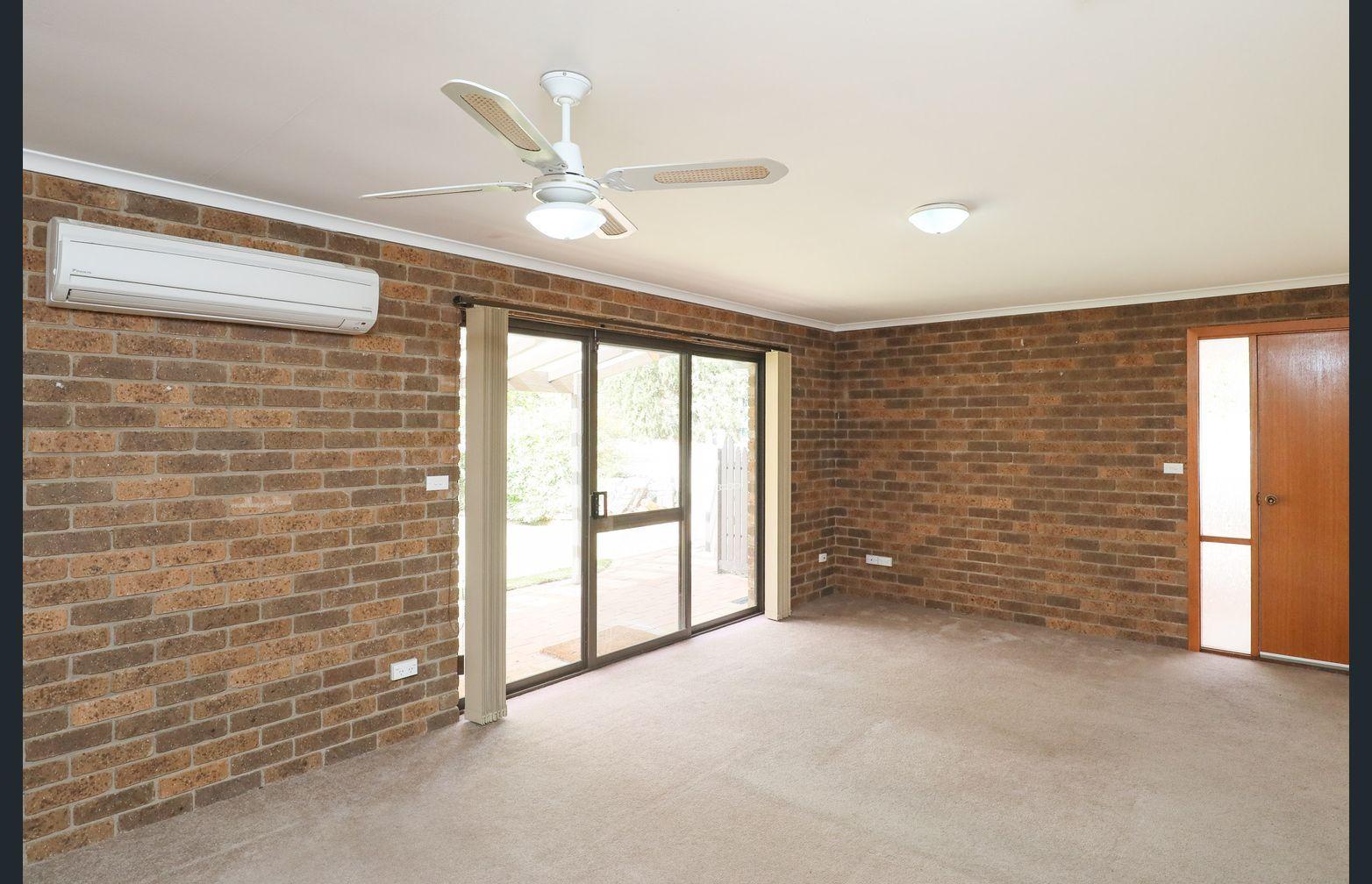 Unit 1 8 Riverview Drive, Dareton NSW 2717, Image 2