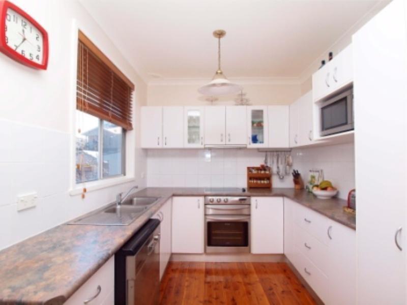 2 Tulkaba St, Belmont North NSW 2280, Image 2