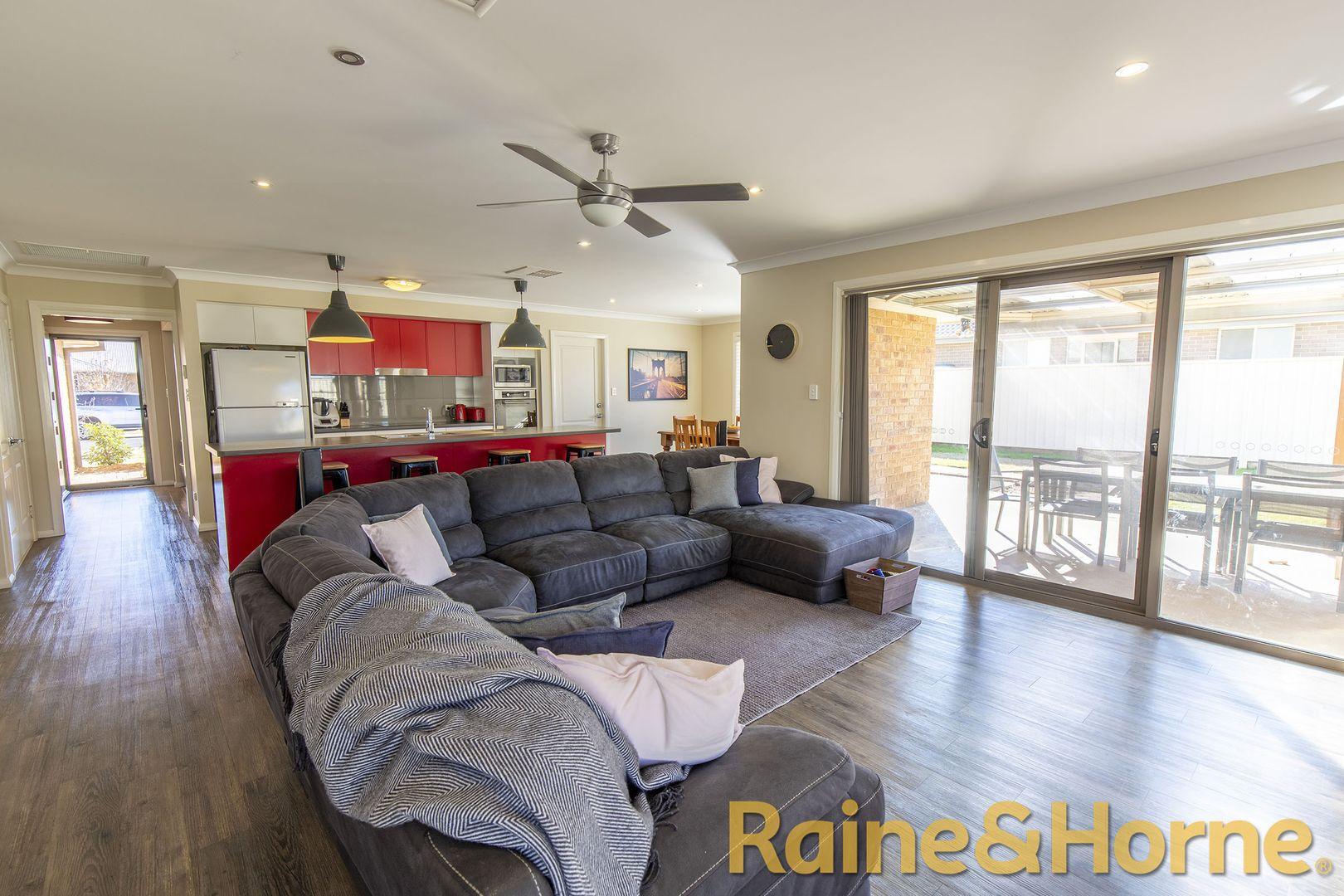 19 Timgarlen Avenue, Dubbo NSW 2830, Image 2