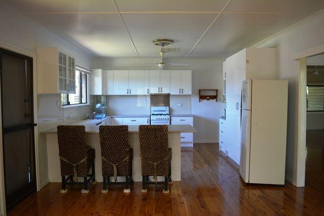 46 Arthur Street, Tambo QLD 4478, Image 2