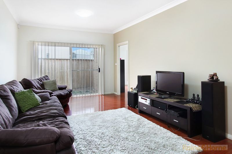 21 Holly Street, Rouse Hill NSW 2155, Image 2