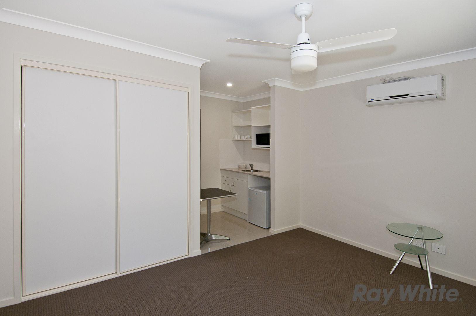 Room 4, 43B Short Street, Loganlea QLD 4131, Image 2