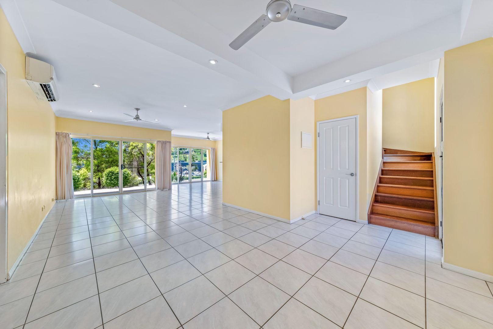 Unit 1/152 Shute Harbour Road, Cannonvale QLD 4802, Image 2