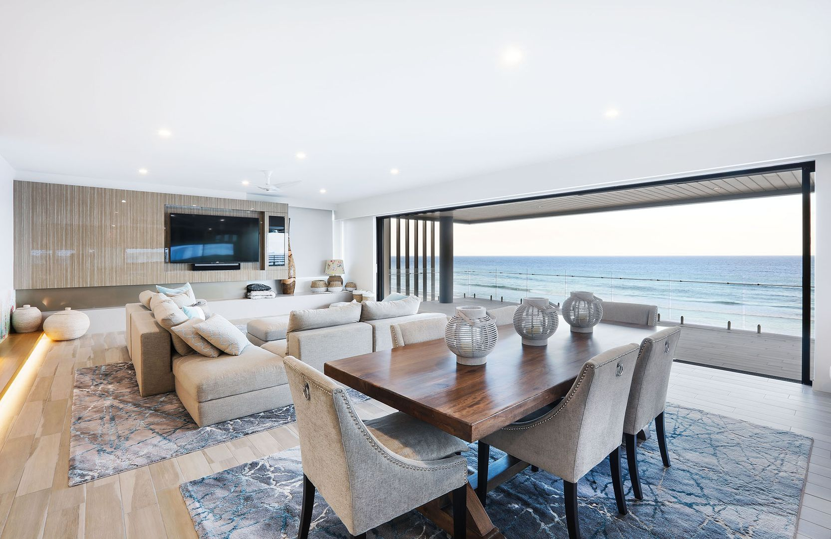 Penthouse - Temple - Gold Coast Highway, Palm Beach QLD 4221, Image 2