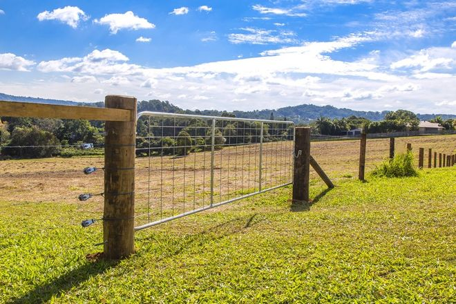 Picture of 8 Moorhouse Road, WOOMBYE QLD 4559