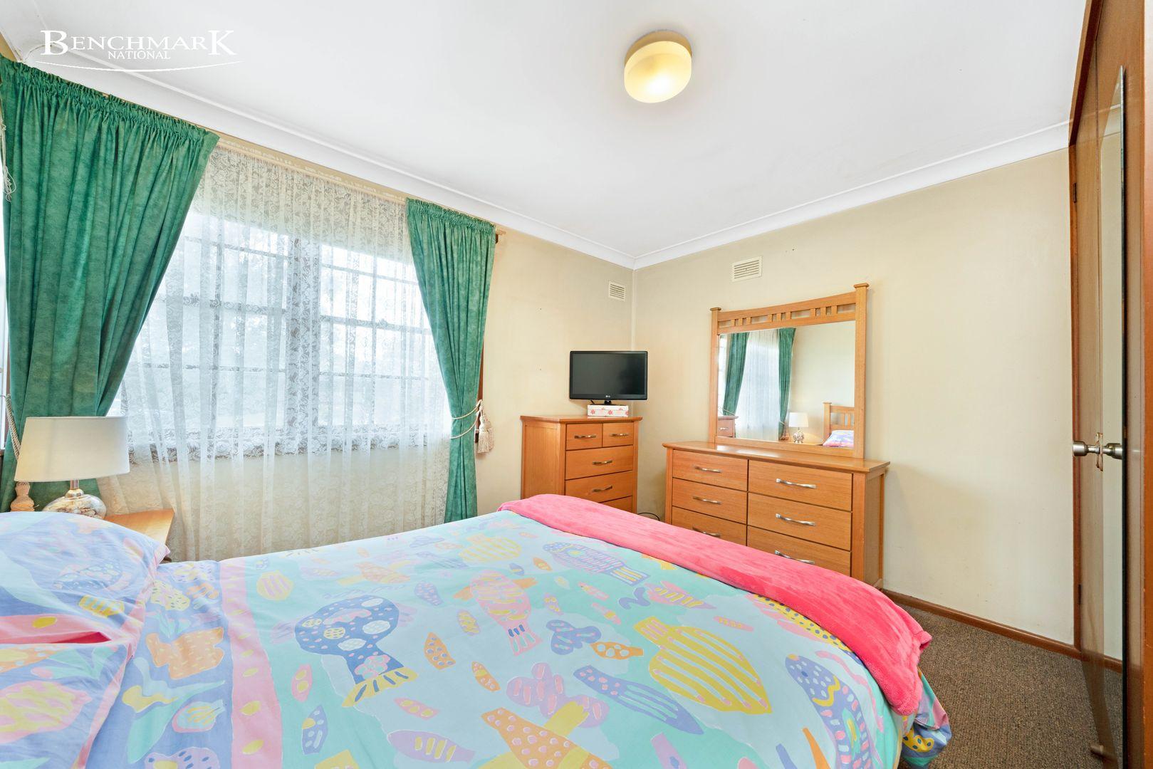 7 Aitape Place, Holsworthy NSW 2173, Image 2