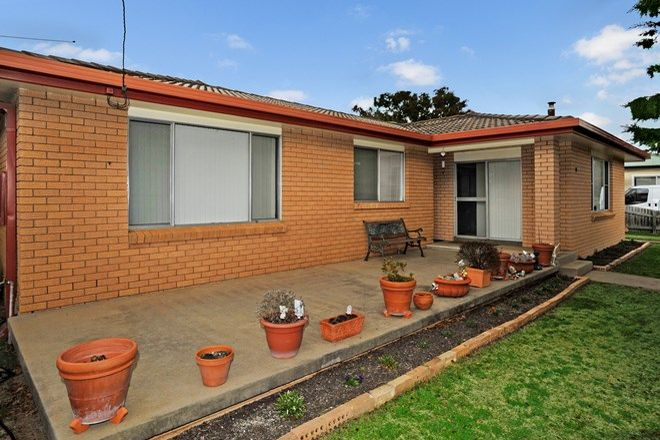 Picture of 8 Barry Street, ARMIDALE NSW 2350