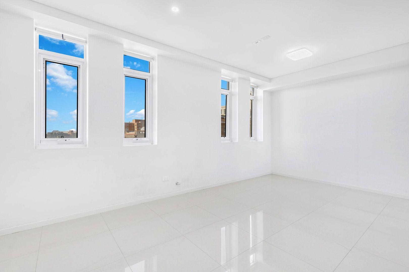 702/110 Hunter Street, Newcastle NSW 2300, Image 2