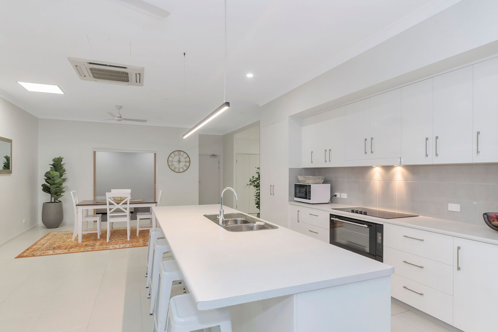 2/361 Flinders Street, Townsville City QLD 4810, Image 0