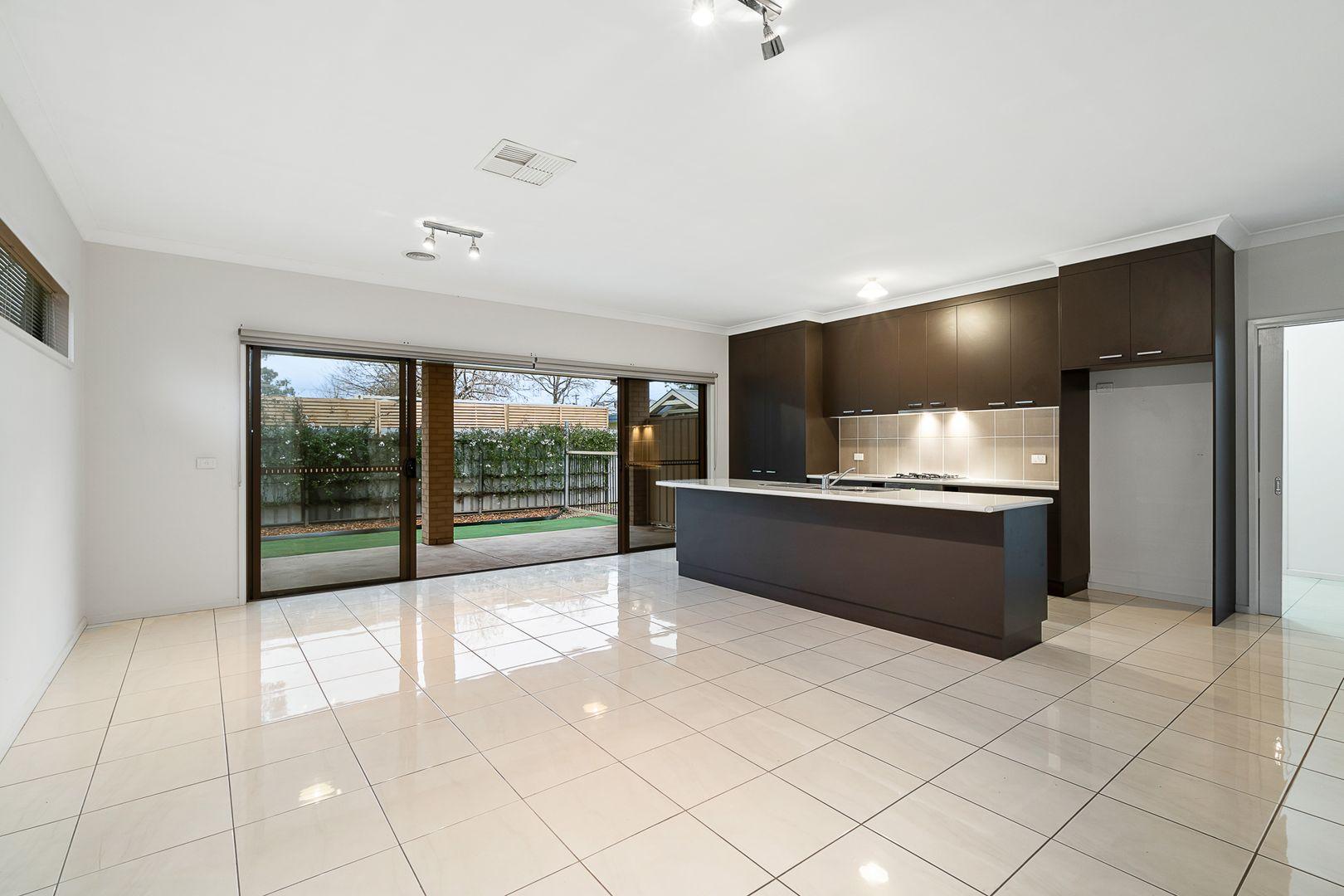 327A Macauley Street, South Albury NSW 2640, Image 2