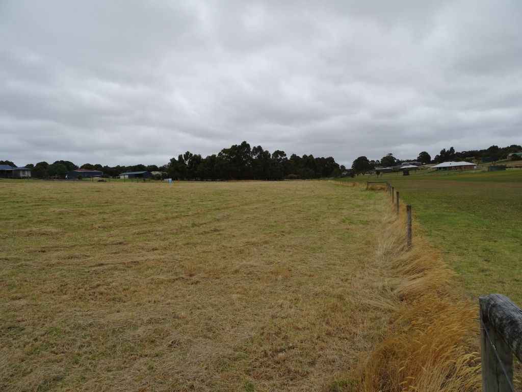 61 Catling Close, Warrenup WA 6330, Image 2