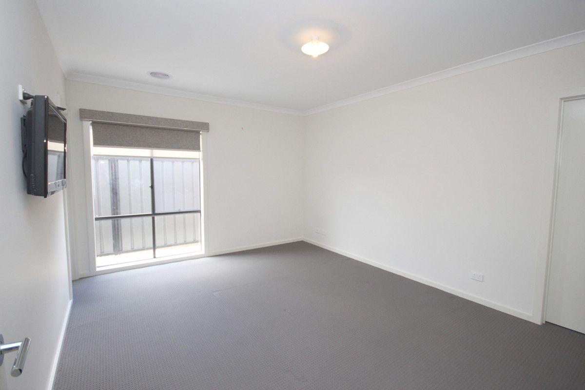 6 Gardner Terrace, Craigieburn VIC 3064, Image 2