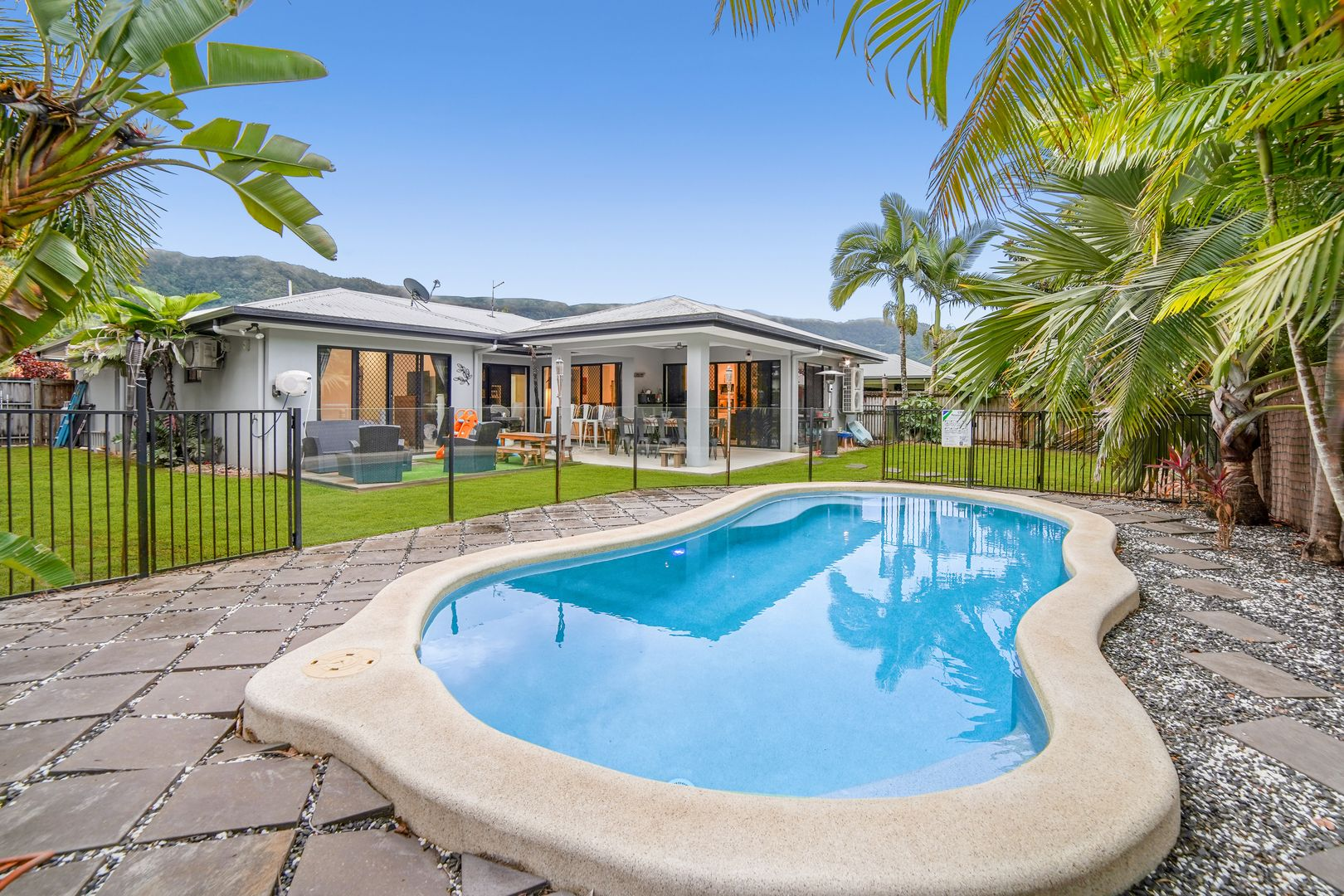 8 Lora Close, Bentley Park QLD 4869, Image 0