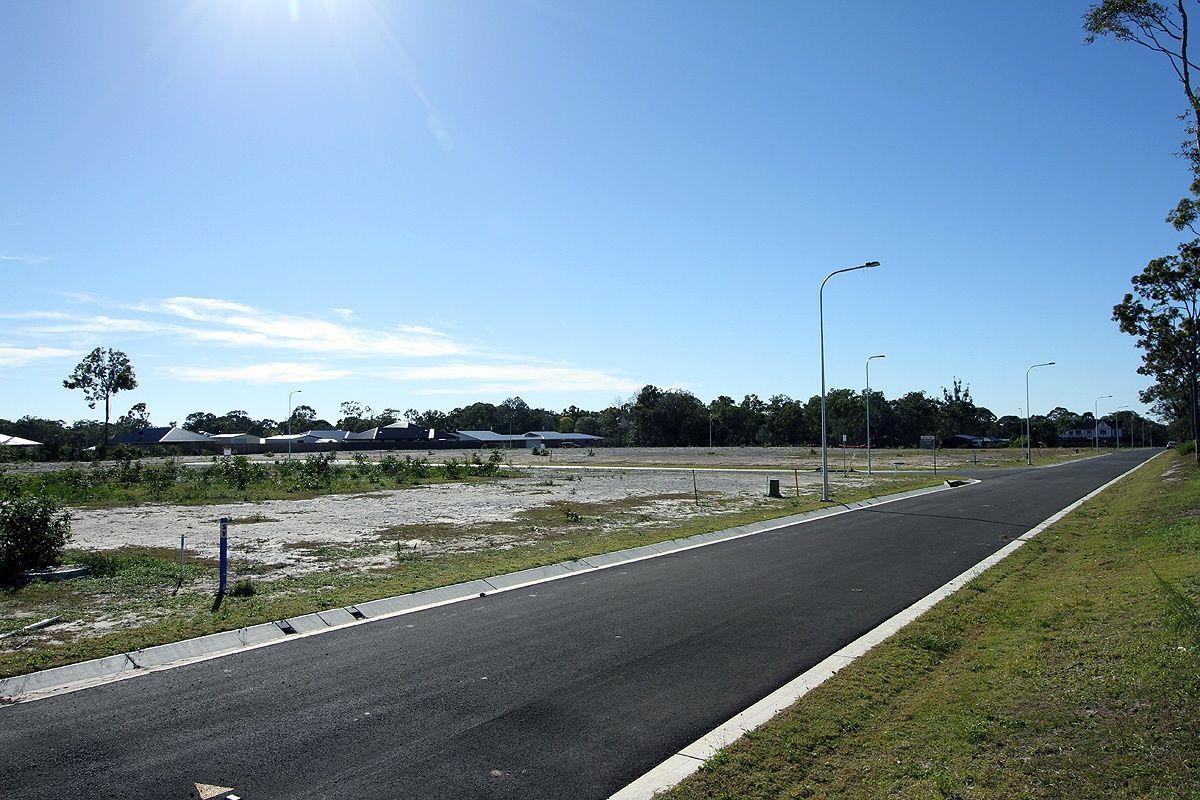 27 Tina Drive, Urangan QLD 4655, Image 2