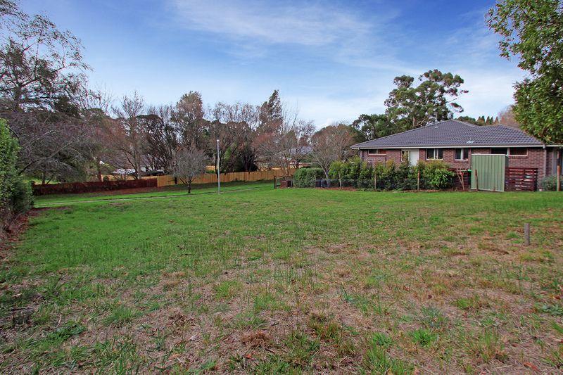 9 Dengate Crescent, Moss Vale NSW 2577, Image 1