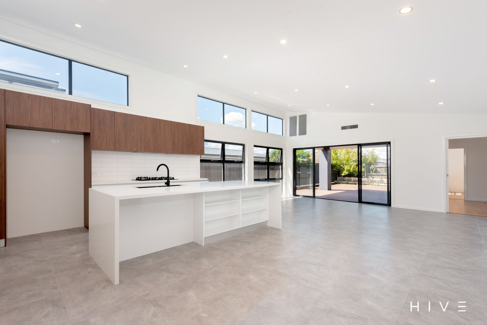38 Terry Connolly Street, Coombs ACT 2611, Image 0