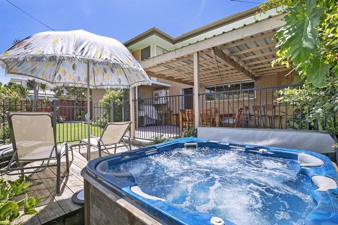 Picture of 86 Oxley Avenue, WOODY POINT QLD 4019