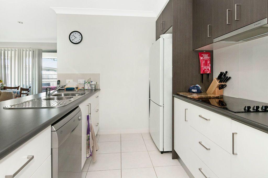 15 Wilkie Street, Windaroo QLD 4207, Image 2