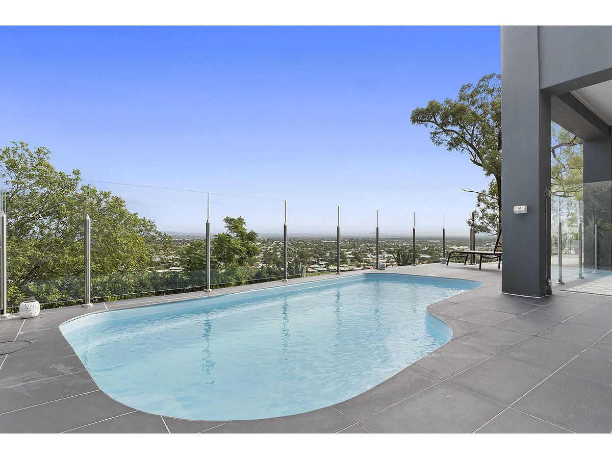 12 Africander Avenue, Norman Gardens QLD 4701, Image 2