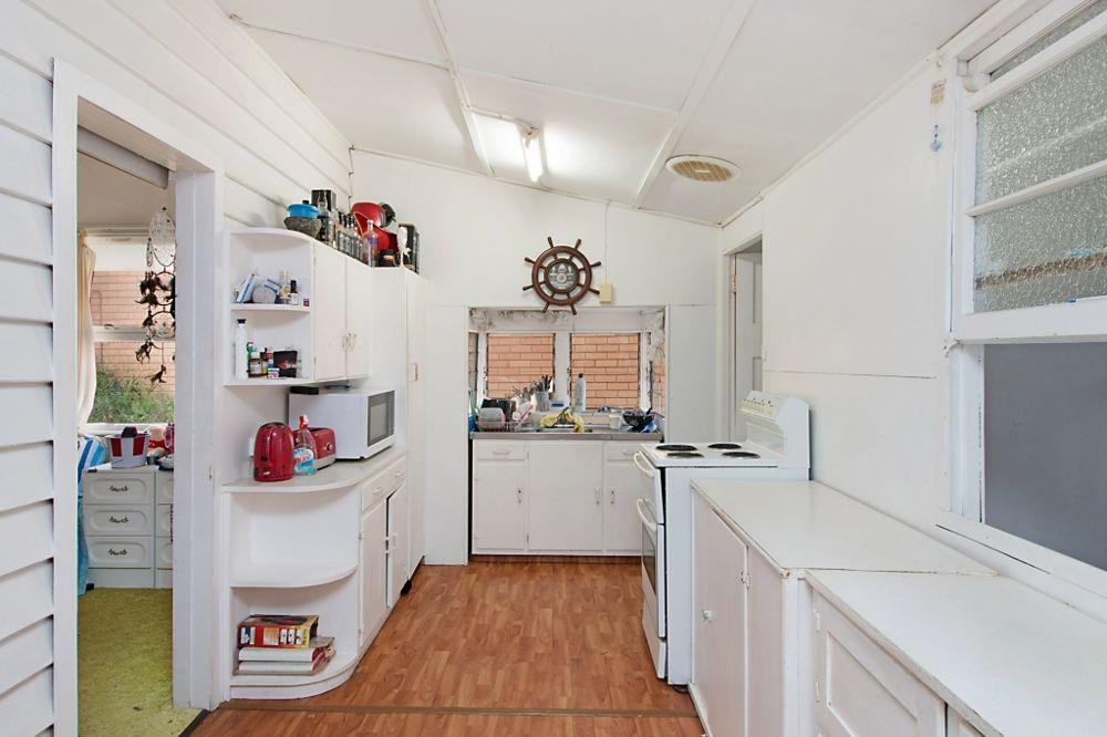 72 Garrick Street, Coolangatta QLD 4225, Image 2
