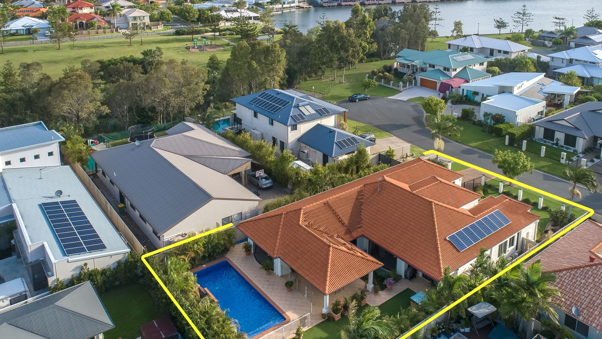 4 Trieste Court, Coombabah QLD 4216, Image 1