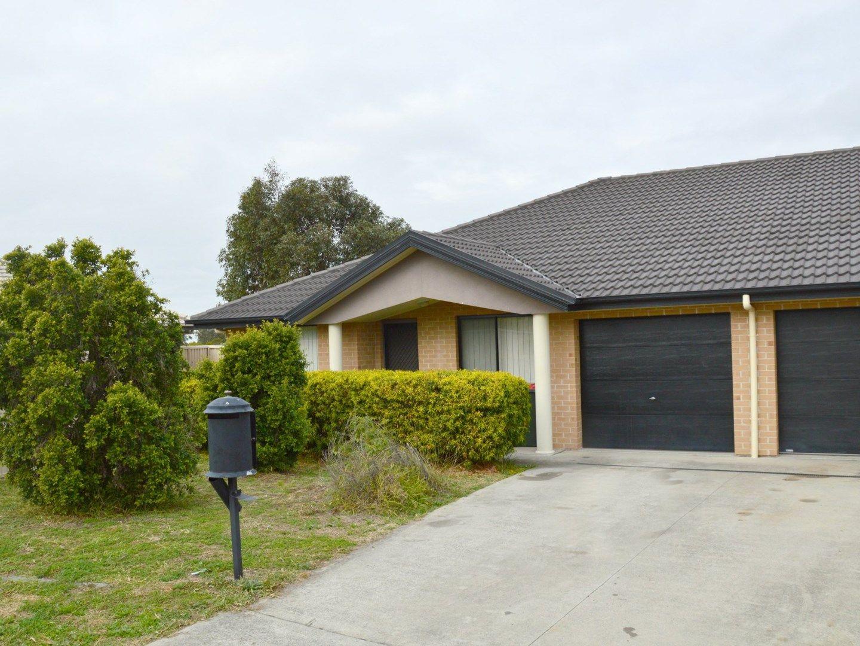 2/4 Drury Close, Singleton NSW 2330, Image 0