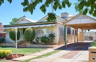 1 Sunshine Avenue, Turvey Park NSW 2650