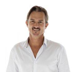Drew Slack-Smith, Sales representative