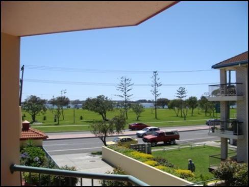 13/140 Marine Parade, Southport QLD 4215, Image 1