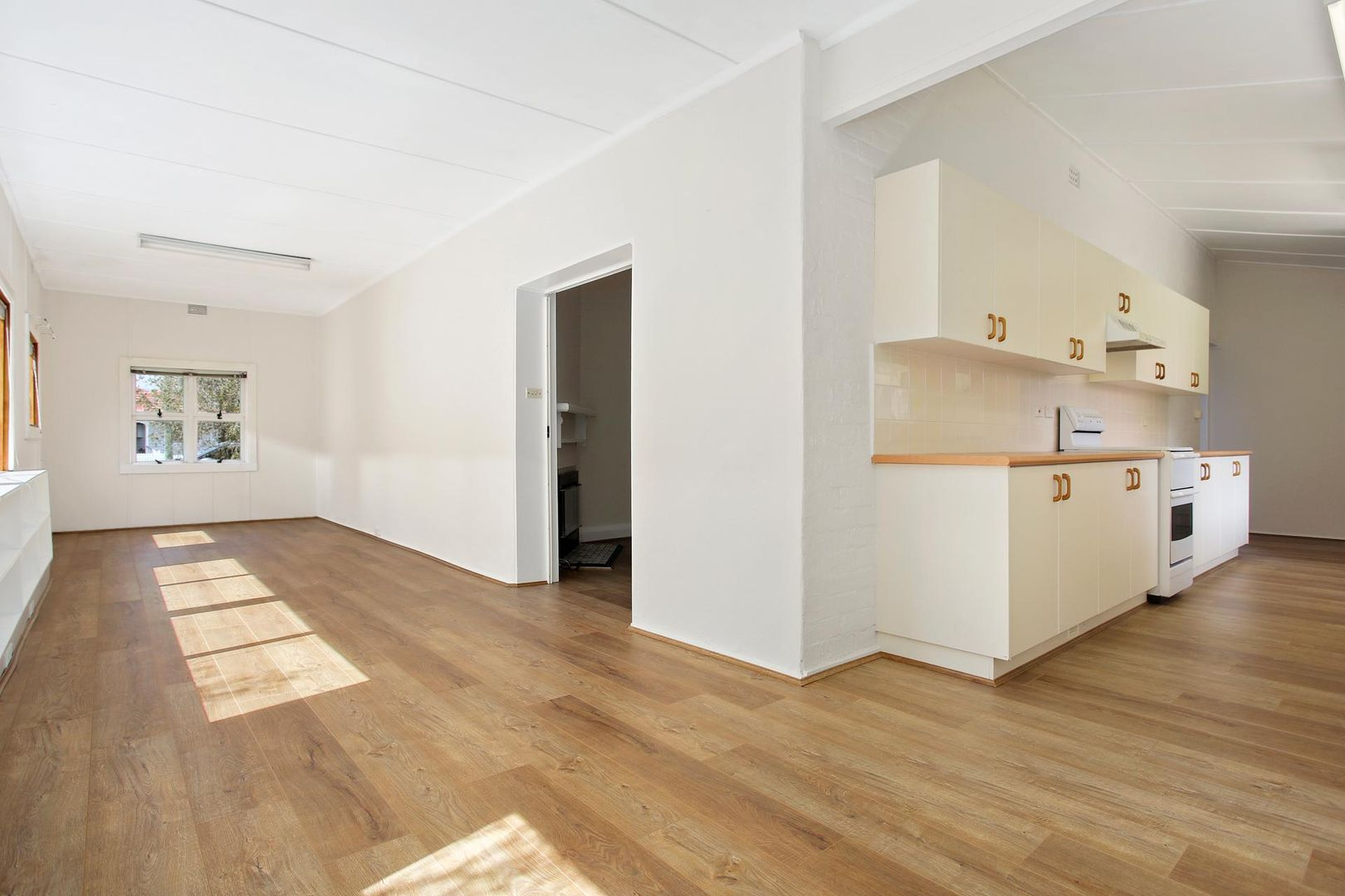 2 Louisa Street, Mittagong NSW 2575, Image 2