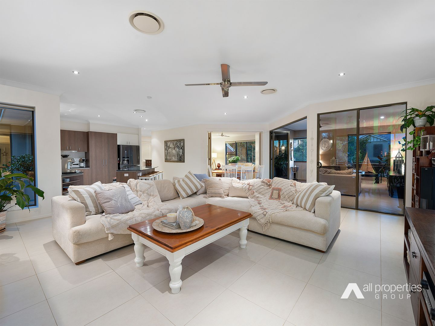 2 Mountain Ash Place, Brookwater QLD 4300, Image 2