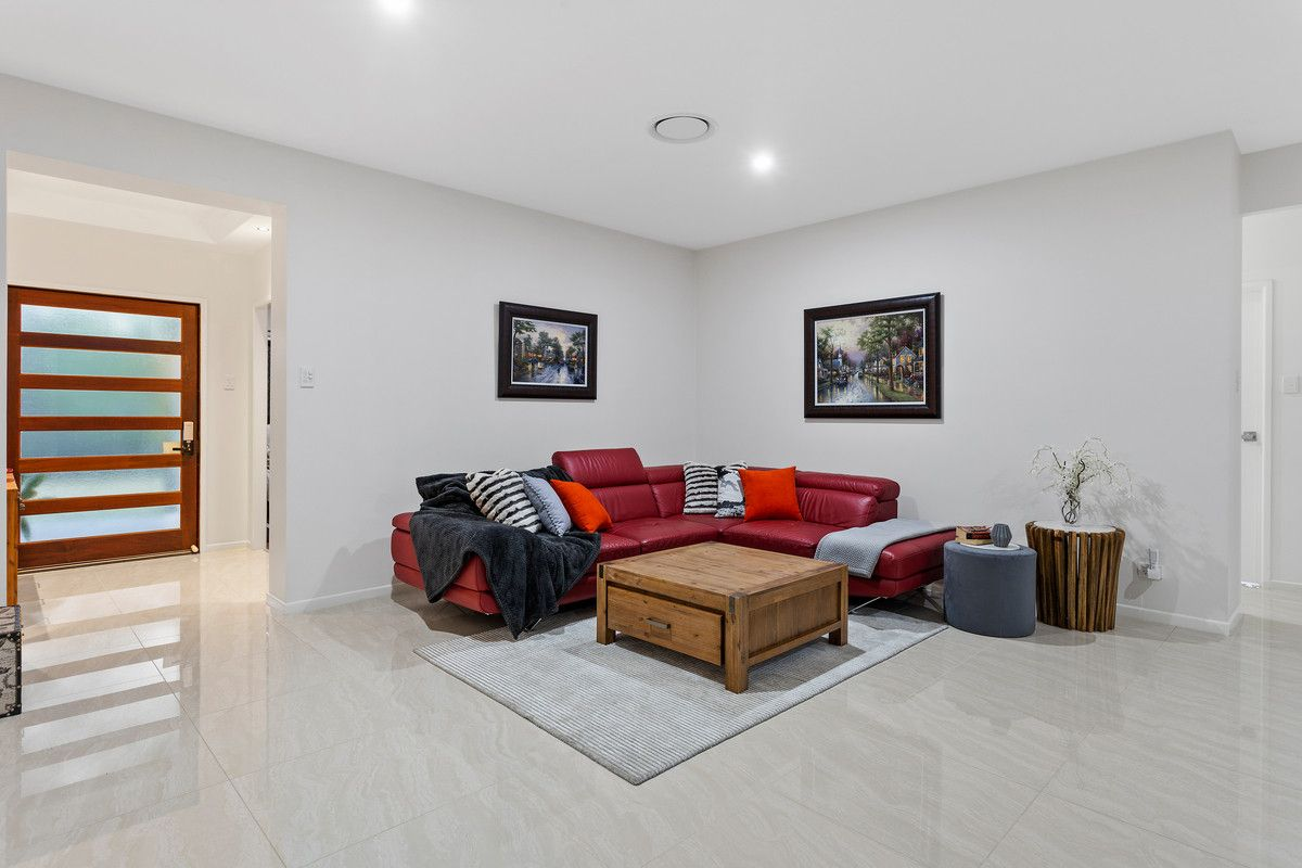 9 Lomandra Place, Forest Lake QLD 4078, Image 2