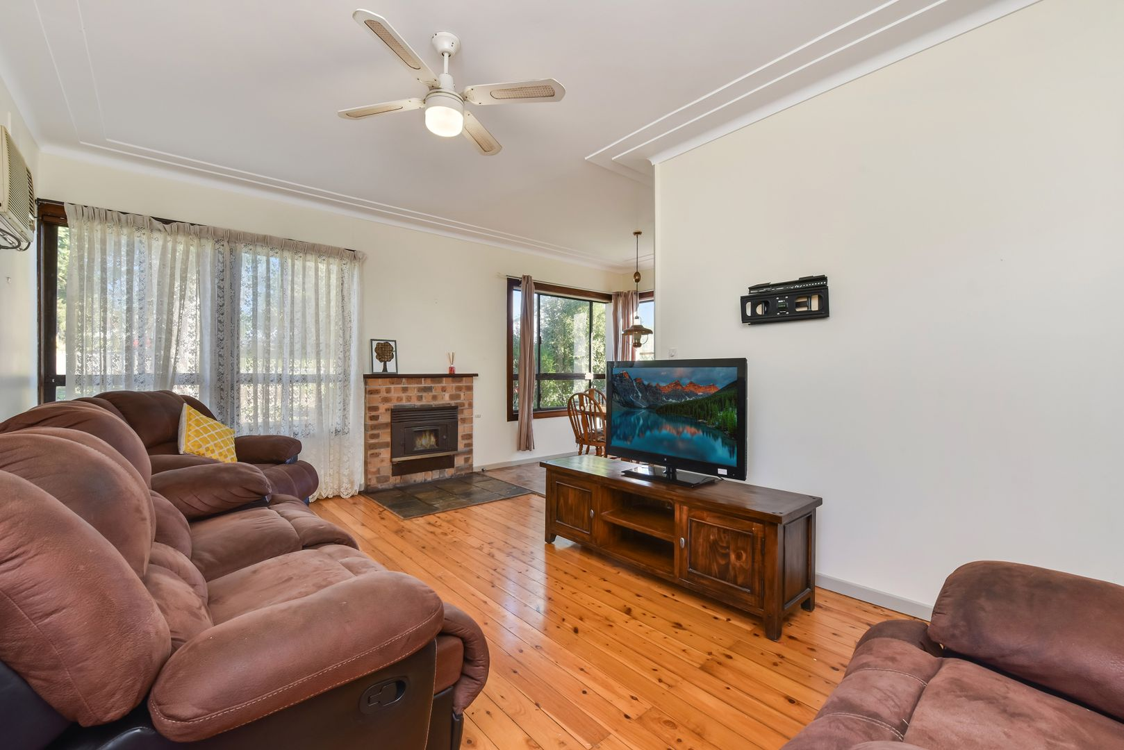 23 Aberglasslyn  Road, Rutherford NSW 2320, Image 2