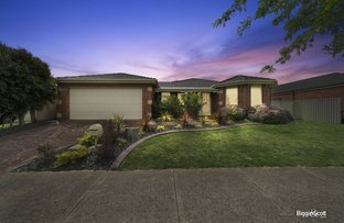 Picture of 60 Oaklands Way, Pakenham VIC 3810