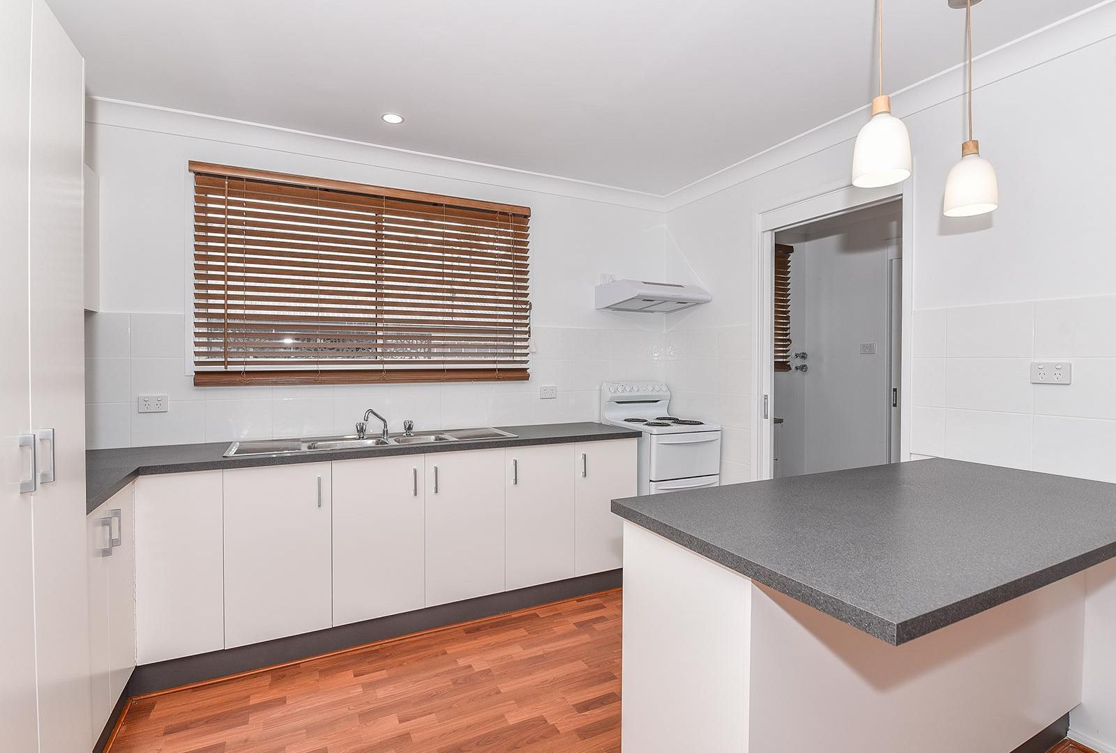 54 Leumeah Avenue, Chain Valley Bay NSW 2259, Image 2