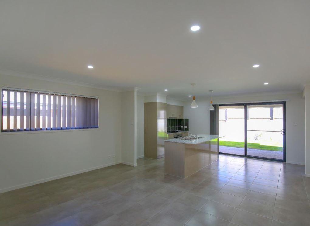 26 Wanaka Street, Bahrs Scrub QLD 4207, Image 2