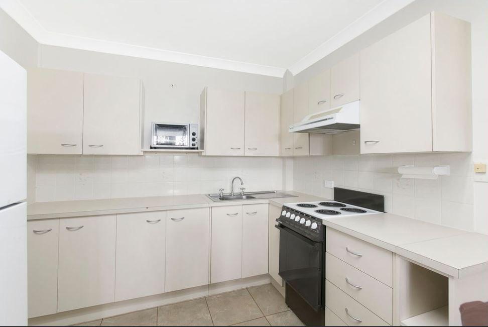 41/15 Carmichael Court, Wynnum West QLD 4178, Image 2