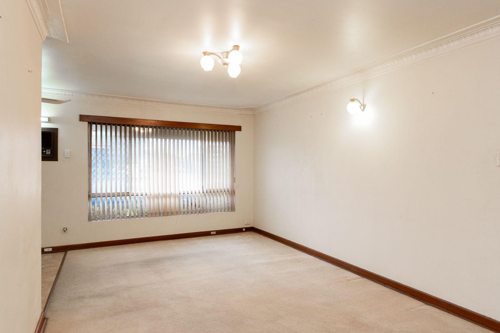 30 Charnwood St, Morley WA 6062, Image 2