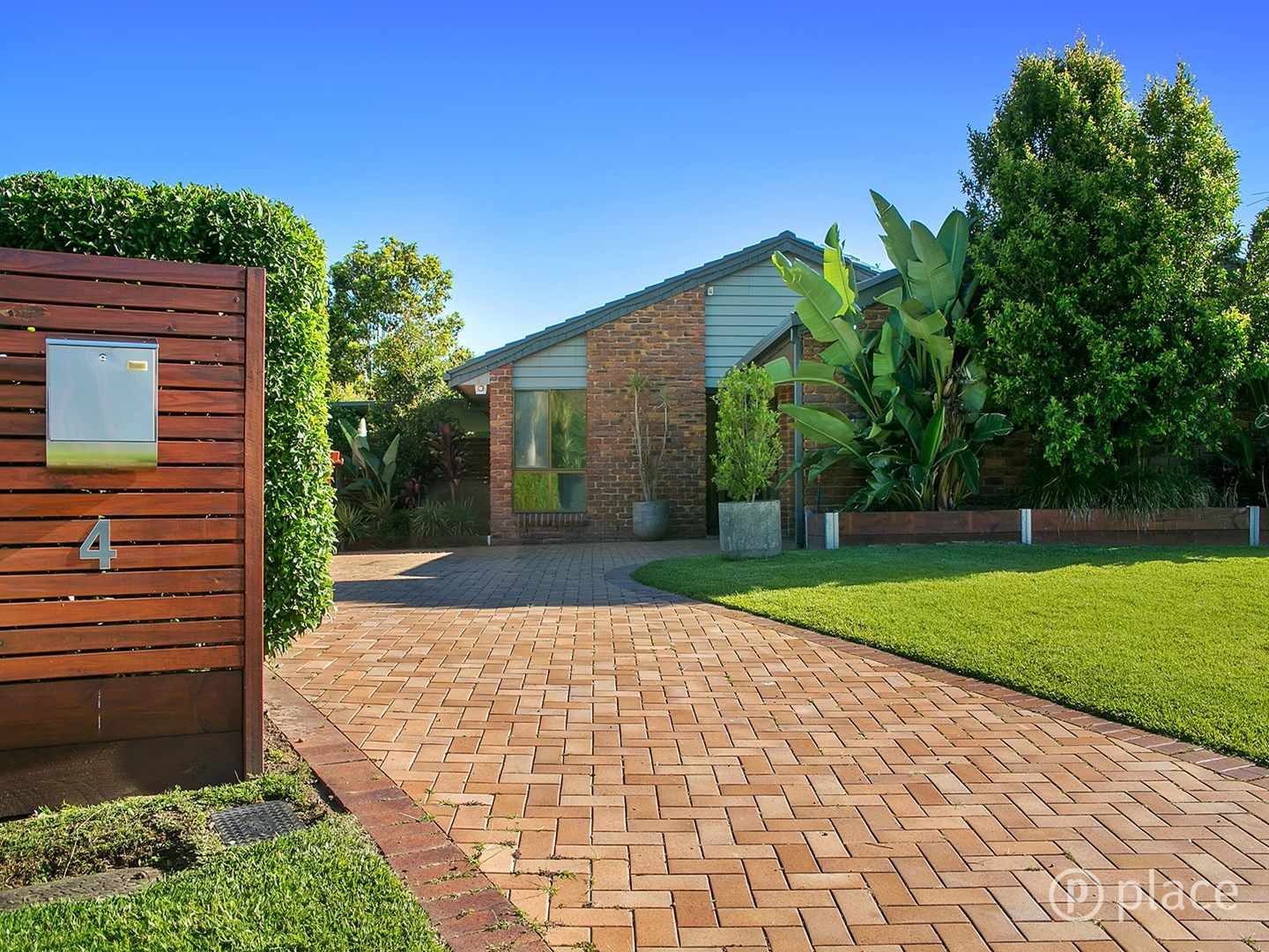 4 Codford Place, Chapel Hill QLD 4069, Image 0