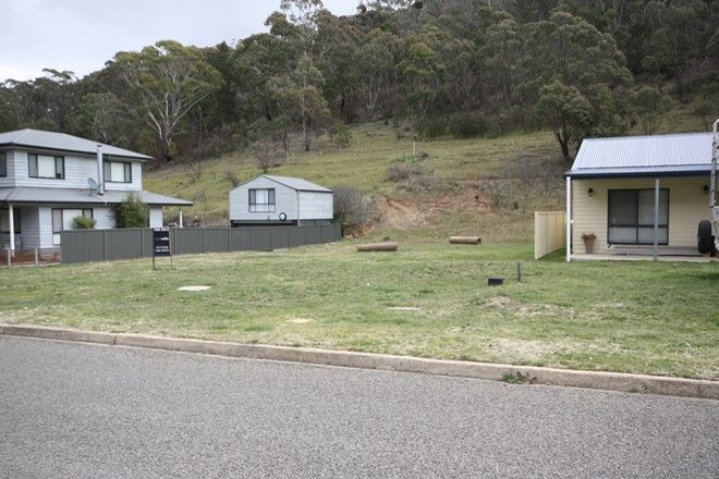 Picture of 111 Foxlow St, CAPTAINS FLAT NSW 2623