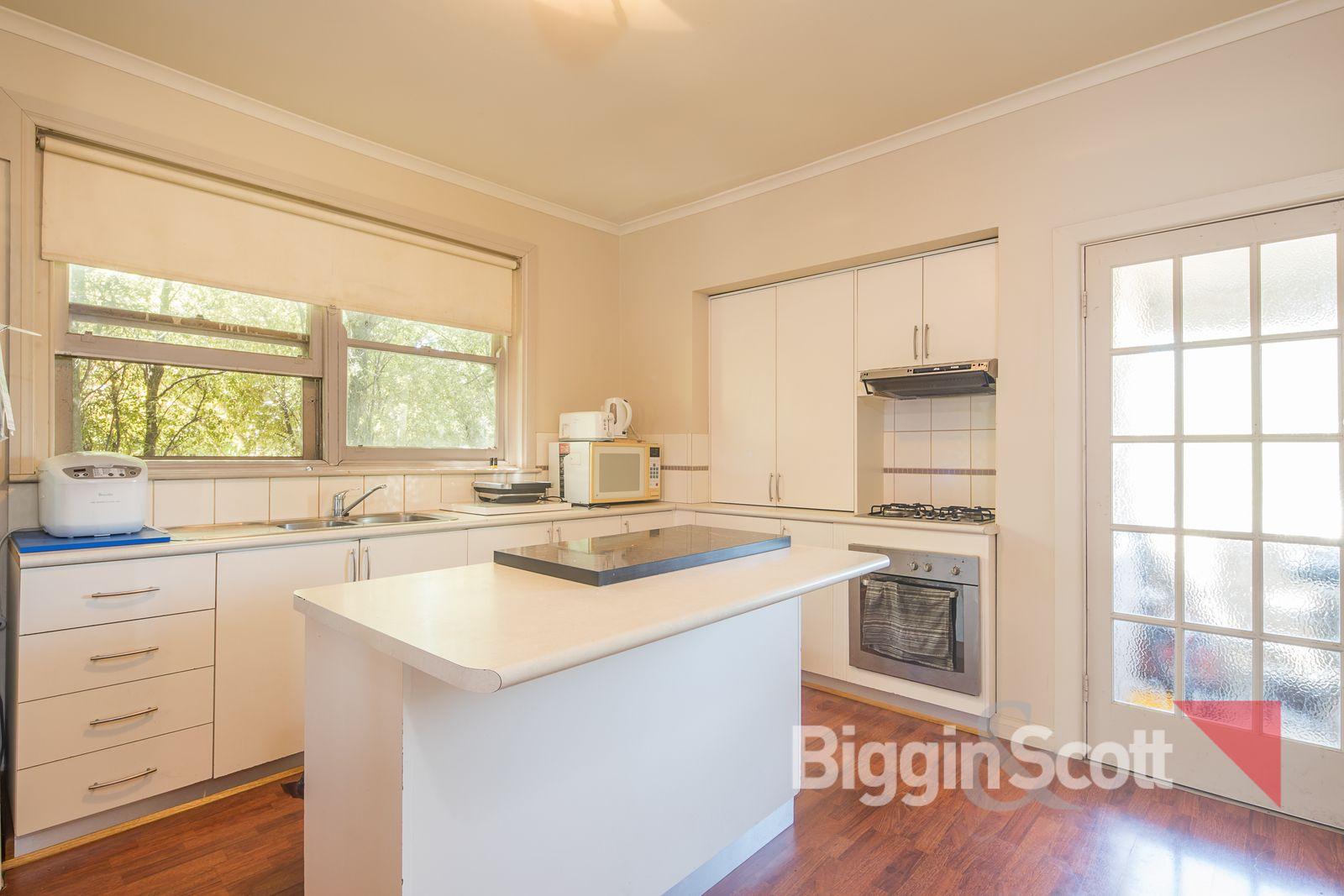 1110 Doveton Street North, Ballarat North VIC 3350, Image 2