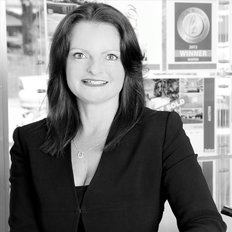 Lisa Macklin, Sales representative