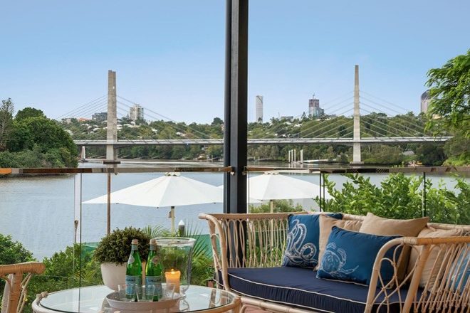 Picture of 75 Brisbane Corso, FAIRFIELD QLD 4103