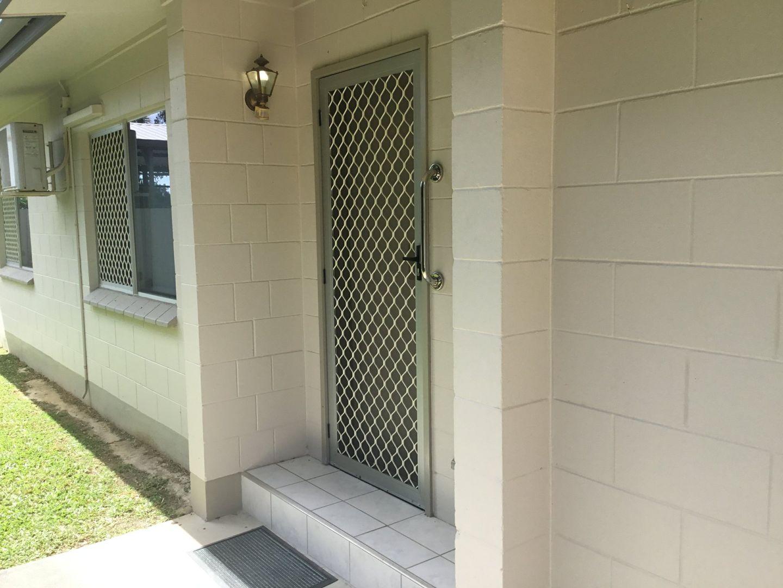49 Clifton Rd, Clifton Beach QLD 4879, Image 2
