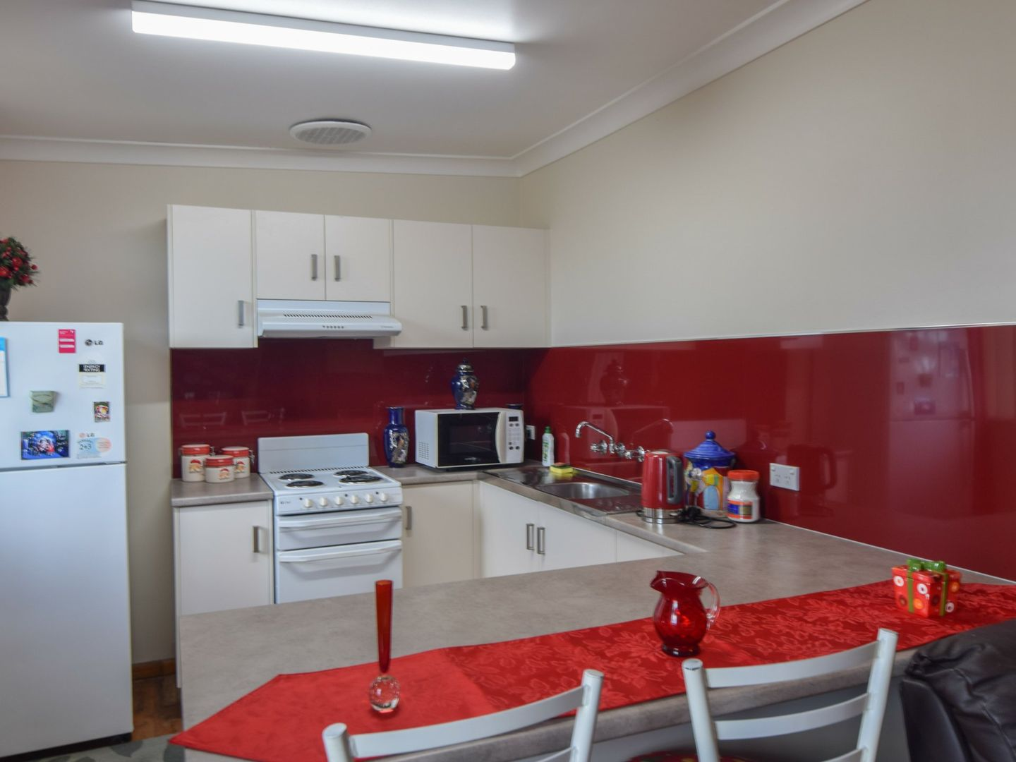 6 Spring Street, Young NSW 2594, Image 1